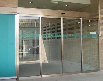 puerta-automatica-de-cristal-2-hojas-correderas