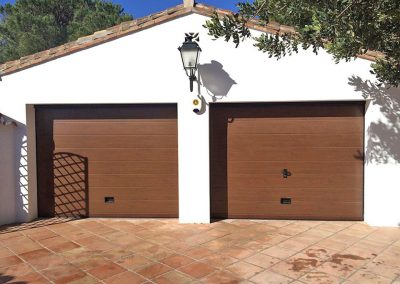 Puerta Garaje Secional Imitacion Madera